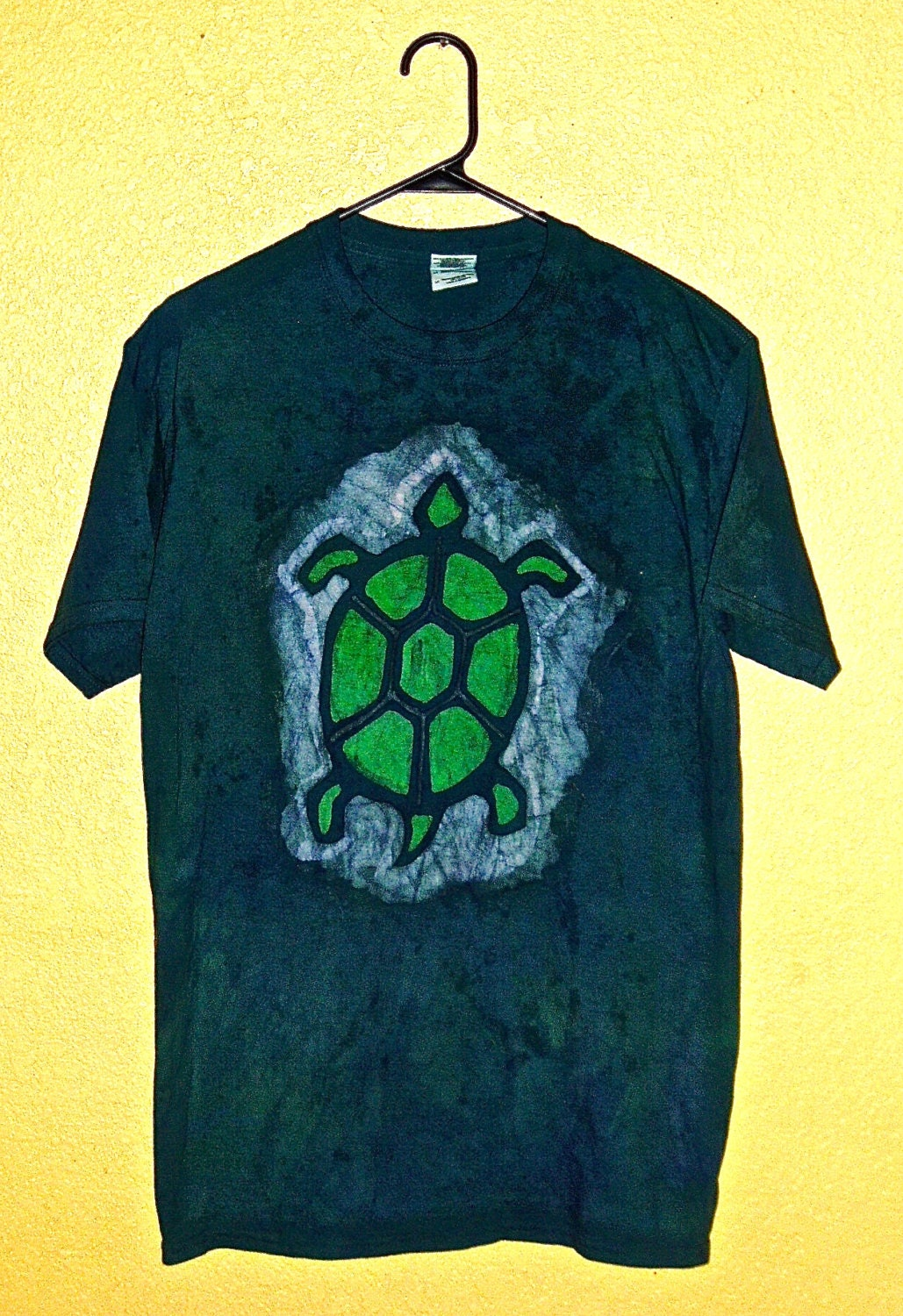 batik turtle t shirt. Black Bedroom Furniture Sets. Home Design Ideas