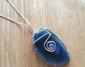 "Blue Sliced Agate pendant with 18"" chain"