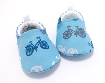 Bicycle Baby Shoes, Blue Baby Booties, baby shoes boy, Baby boy gift, Baby Shower gift, Soft Sole Baby Shoes, Toddler slippers