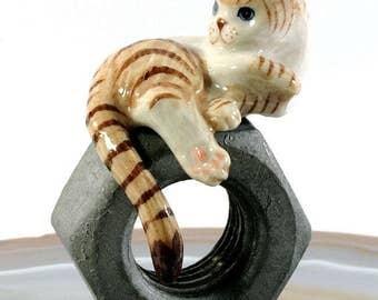 Cat - handpainted porcelain figurine 2859