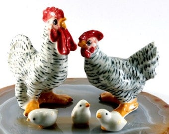 Chicken and rooster, handpainted porcelain figurine 4611