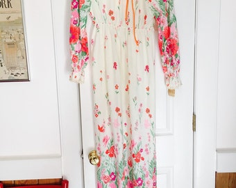 Vintage floral Dress/ Nightgown/ Housecoat/ Robe