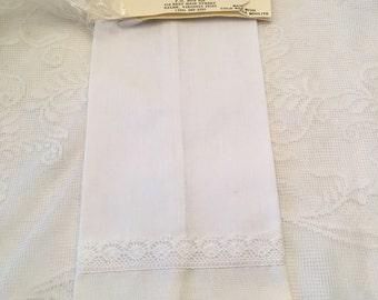 Linen and Lace Tea Towel ~ White Towel ~ Linen Hand Towel ~ Decorative Towel