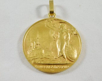 "22kt Yellow Gold Italian ""Medaglia D'Onore"" (Medal of Honor) Pendant"