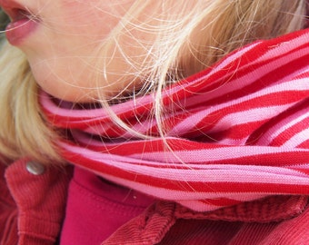 Kids cowl scarf, girls loop scarf, toddler and kids infinity. Organic cotton GOTS. Red and pink Stripes
