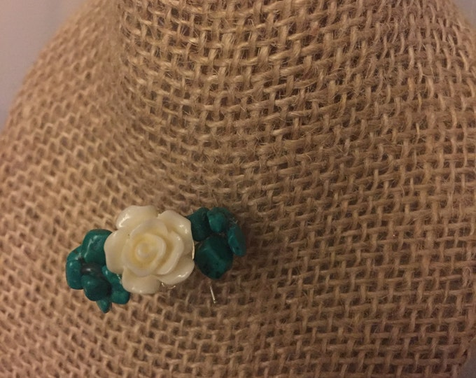 Teal and White Flower ring