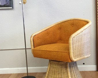 Vintage Wickel Swivel Lounge Chair