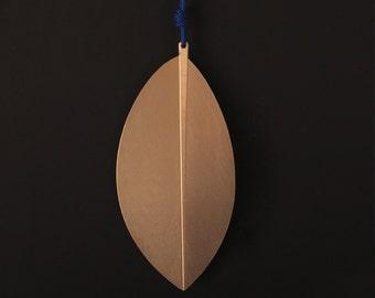 leaf me gold necklace of erythroxylum coca leaf Rosé gold individually gift for her