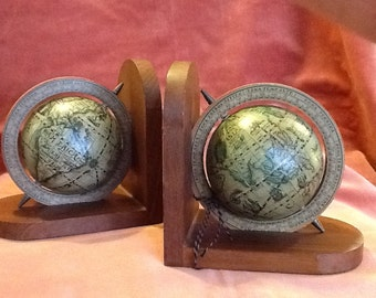 Antique style globe bookends