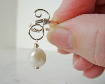 Pearl ear cuff - ear cuff non pierced - bridal ear cuff - bohemian ear cuff - cartilage cuff - earcuff - boho bridesmaid - ear cartilage