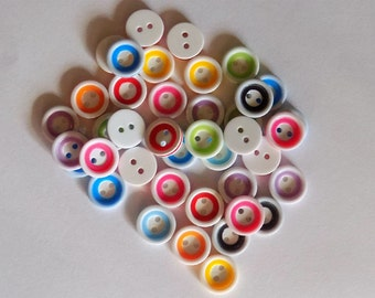 20 Plastic Round Multi Coloured Buttons - #R-00014