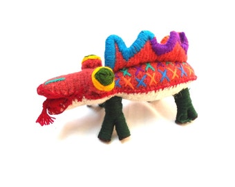 wool cocodrile, wool toy, handmade embroidery toy
