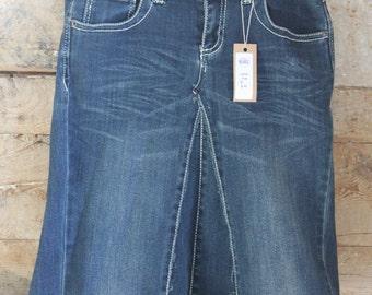 Ladies Denim Ruffle Skirt, size 2/4