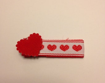 Valentine alligator hair clip