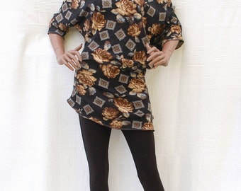 Autumn Rose - Asymmetric pullover / tunic with batwing and three-quarter-lenght sleeves, top in acrylic stitch and mohair, flowery pullover