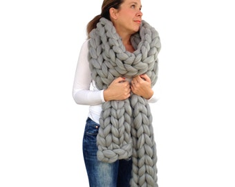 Chunky knitted Scarf, 70+ colours Giant Extreme Infinity chain scarf, Super chunky bulky scarf, knitting Merino, chunky yarn, M012