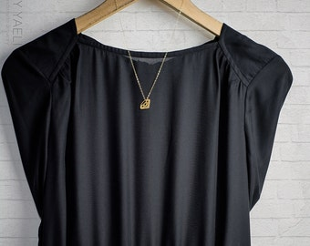 Geometric necklace, gold necklace, gold diamond necklace, diamond pendant, geometric round diamond, dainty necklace, everyday necklace.