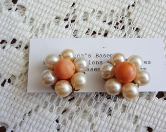 Vintage pearl flower clip-on earrings