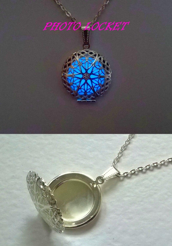 memory locket photo locket necklace glowing jewelry best. Black Bedroom Furniture Sets. Home Design Ideas