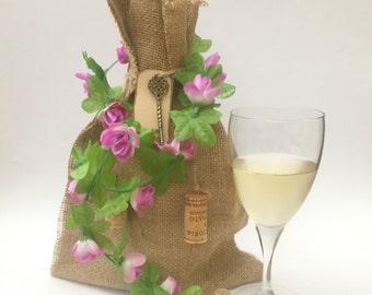 Rustic Wine Gift bag, Burlap Bag, Decorative Gift Bags, Wine Bottle Cover, Hostess Gift, Gift Bag Hessian, Wine Bag, Wedding Gift Bag