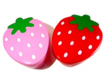 Strawberry Bento Box Food Container // Pink + Red Sectional Food Storage // Kawaii Berry Ingredient Separating Storage Ware