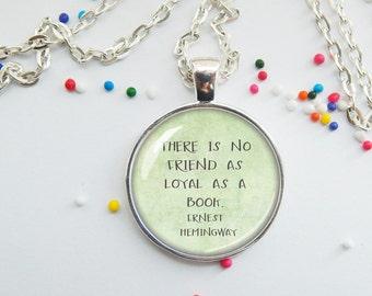 Bookworm pendant - Earnest Hemingway