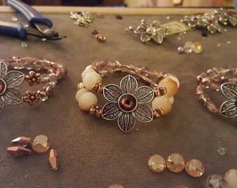 Bronze Flowers Stretch Bracelets