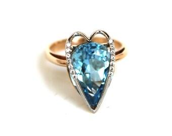 Gemstone ring - Topaz ring - Heart ring - Love ring - Blue gemstone ring - Blue topaz gold ring - Statement ring