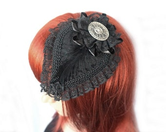 Gothic Fascinator with silver gem