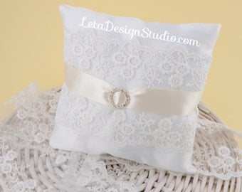 Lace wedding ring bearer pillow Vintage Lace Ring Pillow Wedding Pillow Ring Bearer Ring Cushion Ivory Ring Pillow