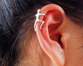 Human Ear Cuff, 925 Sterling Silver, Ear cuff non pierced, Climbing man ear cuff - MI.22/EC030