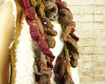 Chunky wool scarf, ruffled scarf, fashion accessories, wool scarf, warm scarves, fashion scarf, bohemian scarf, gift for her, crochet scarf