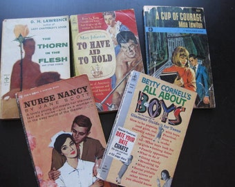 Bodice Rippers //  Vintage Romance Novels // Set of 5