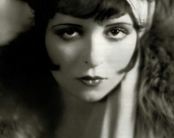 1920's Actress Clara Bow [730-710] Stunning black and white photograph