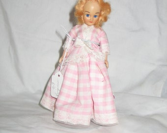 "Colonial Lady 8"" HP Storybook Doll"