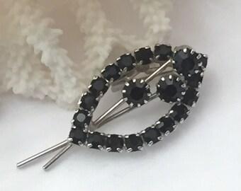 Vintage brooch, vintage pin, black rhinestones,