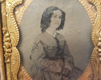 Antique Ambrotype Tintype Full Case Thermoplastic C. Mid 1800's Young Woman