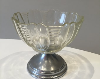 Vintage Tea party 1930s 1940s 40s pretty pressed glass metal footed bowl dish