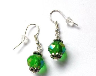 Green Earrings, Green Bead Earrings, Green Sparking Earrings, Mother Gift, Friends Gift, Mom Gift, Minimalist Earrings, Birthday Gift idea