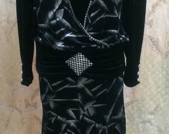 SALE! 1980s 2-piece Black and Silver Dress Suit from Hung Chi