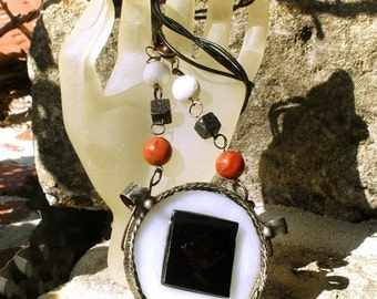 Glass, coral, lava rock, Tiffanytechnik, Hamdmade, Tin glass pendant /.