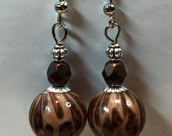Animal print necklace and earrings