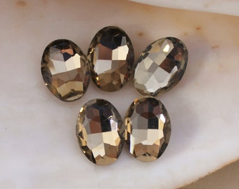 5 Pcs Pale Champagne Glass Oval Rhinestones With Silver Foiled Backs - 18x13mm