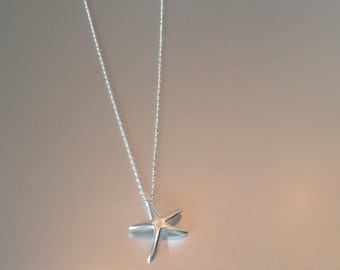 Silver necklace with starfish pendant