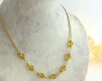 Glass bead and gold chain necklace - Handmade