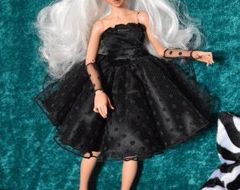 Black dress at weight for Bjd type Minifée