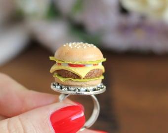 Adjustable ring with juicy cheeseburger. elegant  decor miniature burger bread bun