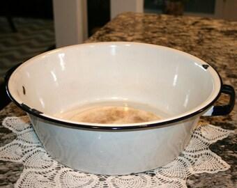 Old Enamel Dish Pan//Enamel Pan With Handles//Rustic Enamel Pan//Vintage Enamel Dish Pan