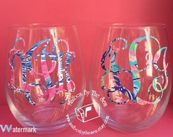 Set of 2 Lilly Pulitzer Inspired Monogram Stemless Wine Glasses | Monogram Wine Glass | Bridesmaid Gift | Recruitment Gift | Greek Gift