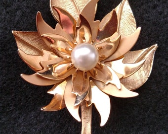 Vintage Gold Leaf and Flower Brooch with faux Pearl Center